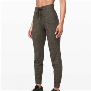 Lululemon ready to rulu pant NWT
